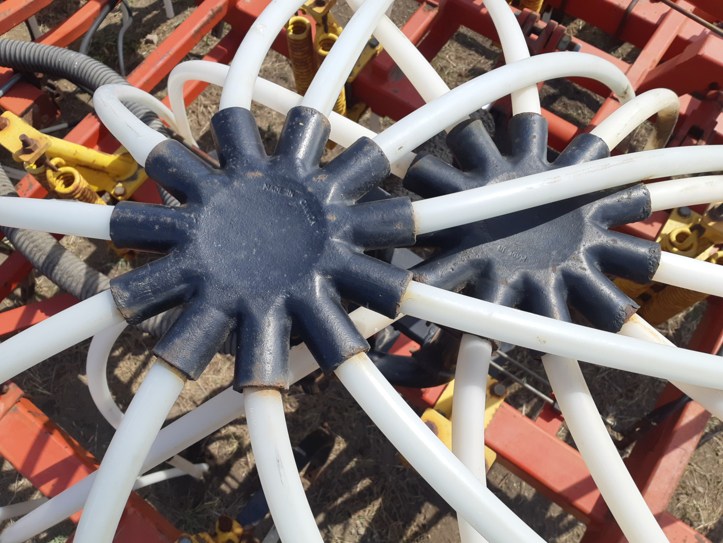 Bourgault 5710 Secondary Manifolds